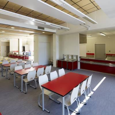 Restaurant scolaire de l'école Victor Hugo à Vernouillet 1