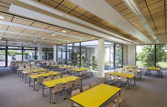 Restaurant scolaire de l'école Victor Hugo à Vernouillet 1_2